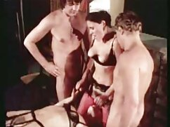 Grabación privada de Chaturbate con chica masturbándose en mujeres mayores follando con jovencitos la ducha