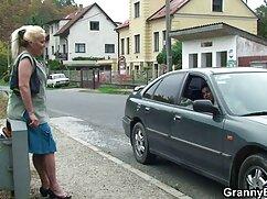 Chicos con corbatas señoras mayores de edad cojiendo pioneros follan con un maricón barrigón