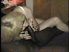 Cutie grabó su masturbación en cámara mujeres mayores teniendo sexo con jovencitos por primera vez