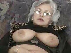 Pareja mujeres mayores teniendo relaciones alemana tiene sexo en un picnic con corrida
