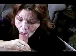 Hermosa americana masturbándose el pene y disfrutando parejas mallores follando del bukkake