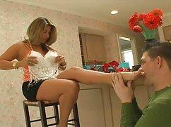 Morena desnuda chupa pimienta maduras mayores follando a un amigo y folla por webcam