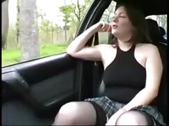Muy hermosa escena lésbica al señoras mayores culiando aire libre